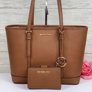 😍Michael Kors Small Tote Shoulder Bag & Wallet